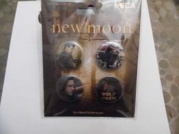 Lots De 4 Badges - The Twilight - New Moon - Autres Collections