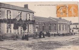 LA MOTHE ACHARD  (85)  Les Ecoles - La Mothe Achard