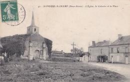 SAINT-PIERRE-A-CHAMP (79)  Eglise   Calvaire    Place - France