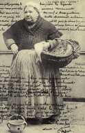 CP REPRODUCTION Femme( Etude Des Coiffes Du Pays Nantais La Coiffe Dite Caline - Costumes