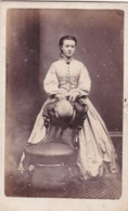 ANTIQUE CDV PHOTO -LADY STOOD BEHIND CHAIR . LEAMINGTON  STUDIO - Photographs