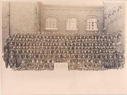 Foto Einheit Deutsche Soldaten - Kurs Schule - 1./304 - Foto Hertling, Plauen - 1941 - 23*17cm   (37150) - Krieg, Militär