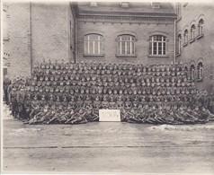 Foto Einheit Deutsche Soldaten - Kurs Schule - 1./304 - Foto Hertling, Plauen - 1941 - 23*17,5cm   (37152) - Guerre, Militaire