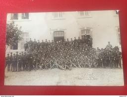 Rodez: Carte Photo, Groupe Militaire Devant Caserne - Rodez