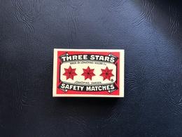 Boite D'allumettes THREE STARS SAFETY MATCHES - JÖNKÖPING SWEDEN - Boites D'allumettes - Etiquettes