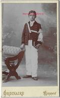 CDV-Noblesse Bretagne-Vendée-Paul De Castellan 1897-1977 Jour De Communion-photo Ordinaire à Rennes-époux De La Fare - Photographs
