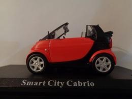 SMART CITY CABRIO 2 Portes 2 Places -1/43 -2000 - DEL PRADO - Voitures, Camions, Bus