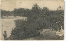 Canaques De Moneo Edit. J. Rache Noumea Canaques Nus Le Long D'une Riviere - Nuova Caledonia
