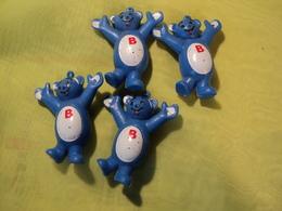 LOT DE 4 FIGURINES BUTAGAZ IDENTIQUES A ATTACHER SUR UN PORTE CLES - Figurines