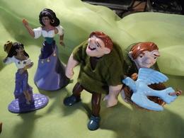 LOT DE 4 FIGURINES DISNEY LE BOSSU DE NOTRE DAME. BURGER KING - Disney
