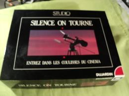 JEU DE SOCIETE SILENCE ON TOURNE. ANNEES 80 / 90. DUJARDIN / STUDIO POUR 2 JOUEURS ET PLUS A PARTIR DE 12 ANS. - Group Games, Parlour Games