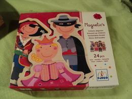 MAGNETIC S . ENFANTS DEGUISES EN BOIS MAGNETIQUE. 24 PIECES. DJECO - Puzzle Games