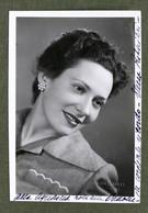Musica Lirica - Autografo Della Cantante Soprano Elena Rizzieri - 1950 Ca. - Autographes