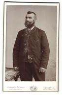 Fotografie Johannes Blanck, Stettin, Portrait Herr Im Anzug Mit Vollbart - Anonyme Personen