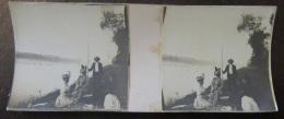 Photo Stéréoscopique - Scène De Vie, Famille, Bord De Lac, Pique-nique, Animée - Vers 1900 - Photos Stéréoscopiques