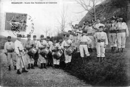 CPA De Besançon (Doubs) - Ecole Des Tambours Et Clairons. Circulée En 1905. Bon état. - Besancon