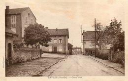CPA - RAVILLE (57) - Aspect De La Mairie Et Du Café Et De La Grand'Rue Dans Les Années 30 - Autres Communes