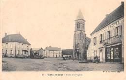 58 - NIEVRE / Vandenesse - 586190 - Place De L'église - Francia