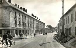 08 - RETHEL - Rue Robert Sorbon En 1957 PF - Rethel