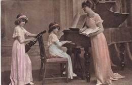 CPA, 2 Girls Music School, Piano Violin, Violon, Viool, W.R.B. &Co Vienn (pk50467) - Escenas & Paisajes