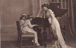 CPA, 2 Girls Music School, Piano Violin, Violon, Viool, W.R.B. &Co Vienn (pk50468) - Escenas & Paisajes