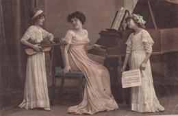 CPA, 2 Girls Music School, Piano Violin, Violon, Viool, W.R.B. &Co Vienn (pk50469) - Escenas & Paisajes