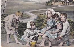 CPA, 5 Playing Children, Enfants Jouant, Spelende Kinderen (pk50478) - Scenes & Landscapes