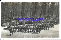 102084 GERMANY BERLIN COSTUMES MILITARY PARADE INFANTRY CIRCULATED TO ARGENTINA POSTAL POSTCARD - Non Classés