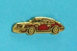 1 PIN'S //  ** PORSCHE 911 / CARRERA / RS ** - Porsche