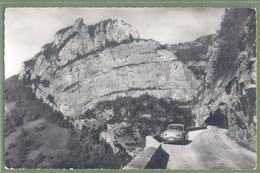 CPSM Vue Peu Courante - ISERE - LA BALME DE RENCUREL - ROUTE DU VERCORS - Automobile, Panhard Dyna - R. Pasquino / 5 - France