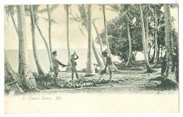 Vintage Fiji, Coastal Scene Local Men Harvesting Coconuts Pc Unused.. - Fidschi