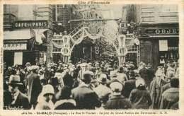 ILLE ET VILAINE SAINT MALO  La Rue Saint Vincent  LE JOUR DU GRAND PARDON DES TERRENEUVAS - Saint Malo
