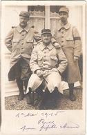 LOT 3 SOLDATS POILUS DE 1914 1918 POSANT 14e SOLDAT TENUE RESEDA REGIMENT ? 3 POILUS SOUVENIR MAI 1915 NON ECRIS - Guerre 1914-18