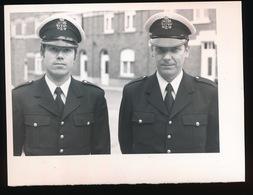 ZOTTEGEM  - FOTO 1973 - 11 X 9 CM  -   NIEUWE POLITIE AGENTEN  FREDDY PETIT EN H.ETIENNE - Zottegem