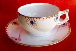 RARE TASSE CAFÉ /THÉ EN PORCELAINE DE SARREGUEMINES BLASON VERT ( II ). - Sarreguemines (FRA)