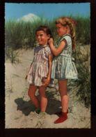 B7584 BAMBINE SULLA SPIAGGIA / CHILDREN ON THE BEACH / ENFANTS DANS LA PLAGE - Scenes & Landscapes