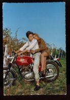 B7588 COPPIA CON MOTO / COUPLE WITH MOTORBIKE - Couples