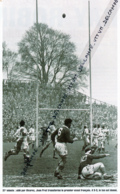 RUGBY : PHOTO (1951), TOURNOI DES 5 NATIONS, ANGLETERRE-FRANCE (3-11), TWICKENHAM, JEAN PRAT TRANSFORME LE 1er ESSAI - Rugby