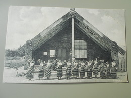 NOUVELLE ZELANDE  POI DANCERS & CARVED HOUSE OHINEMUTUROTORUA - Nouvelle-Zélande