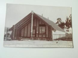 NOUVELLE ZELANDE  OLD STONE CARVED WHARE RUNANGA OLD VILLAGE OHINIMITU ROTORUA - Nouvelle-Zélande