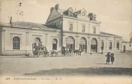 CPA 77 SEINE ET MARNE - Gare De Fontainebleau - Avon - Diligence - Chevaux - Attelages - 403 - N.G. - Fontainebleau