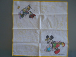 Mouchoir D'enfant Kinderzakdoek  Walt Disney Productions Micky & Mini Mouse - Zakdoeken