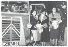 """Photo Citroën Type H Tube , Immatriculation Isère, Le Dauphiné, Femmes & """"Lessiveuse Des Vieux"""" - Automobiles"""