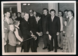 KNESSELARE  - FOTO 1973 - 17 X 12 CM  -   OPENING OF INHULDIGING  ( MOGELIJK VOGELSALON ) - Knesselare