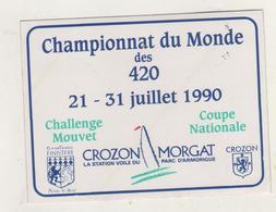 Thème Voile. Autocollant Championnat Du Monde Des  420. Crozon Morgat Juillet 1990 - Autocollants