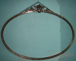 Lot. 955. Ancien Cadre Ovale En Bronze Pour Photos Ou Miroir.Beau Décor - Brons