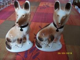 2 Chiens En Céramique Origine BRESIL Hauteur 20 Cms TBE - Céramiques