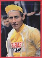 Carte Photo - JACQUES ANQUETIL En Jaune - CRITÉRIUM Du DAUPHINÉ 1963 - *TOP  ** 2 SCANS - Sportifs