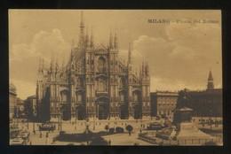 Milano. *Piazza Del Duomo* Ed. Iris. Nueva. - Milano (Milan)