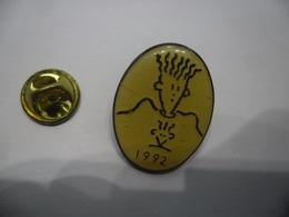 PIN'S De 1992 FIDO DIDO @ 25 Mm X 19 Mm Mascotte De La Boisson Gazeuse 7Up Jeune, Muet, Séducteur, Hip Hop, Urbain - BD